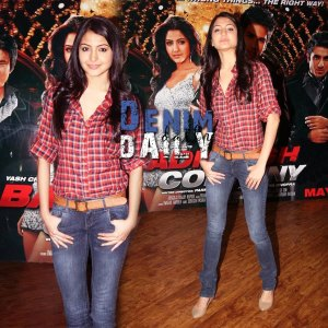 Anushka-Sharma-Skinny-Jeans
